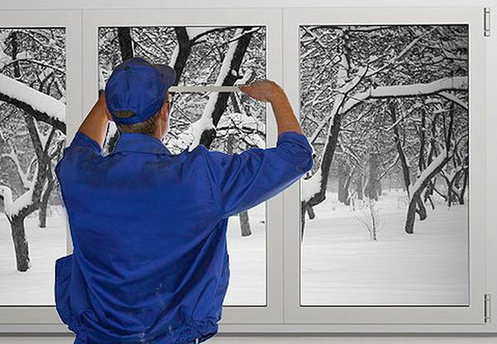 "Зимний монтаж пластиковых окон ""окна просто""."